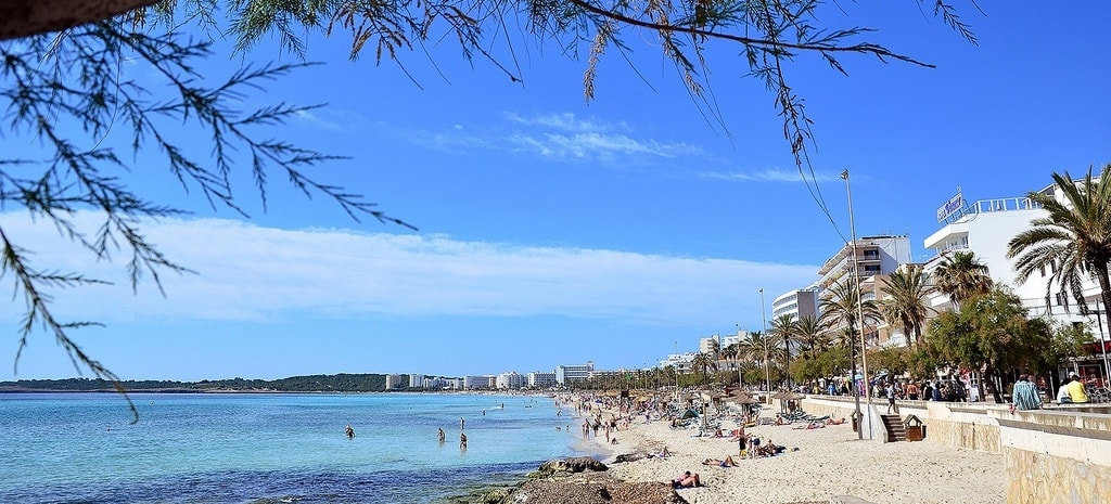 Beachfront apartments of Cala Millor property market.