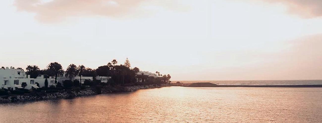 Sotogrande Costa property market offers villas with frontline sea views.